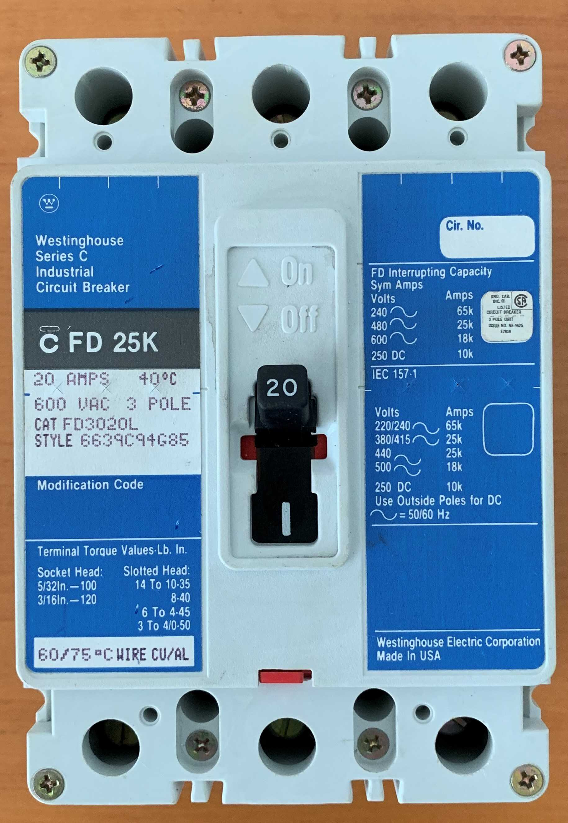 Breaker Superficial 3 x 20 Amperios TQD. Modelo C FD 25K. Marca: WESTINGHOUSE